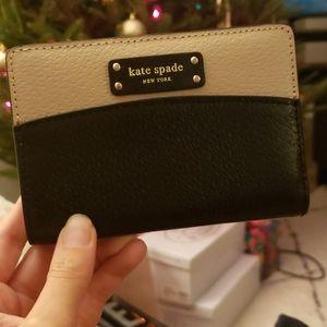 NWT Kate Spade Slim Wallet